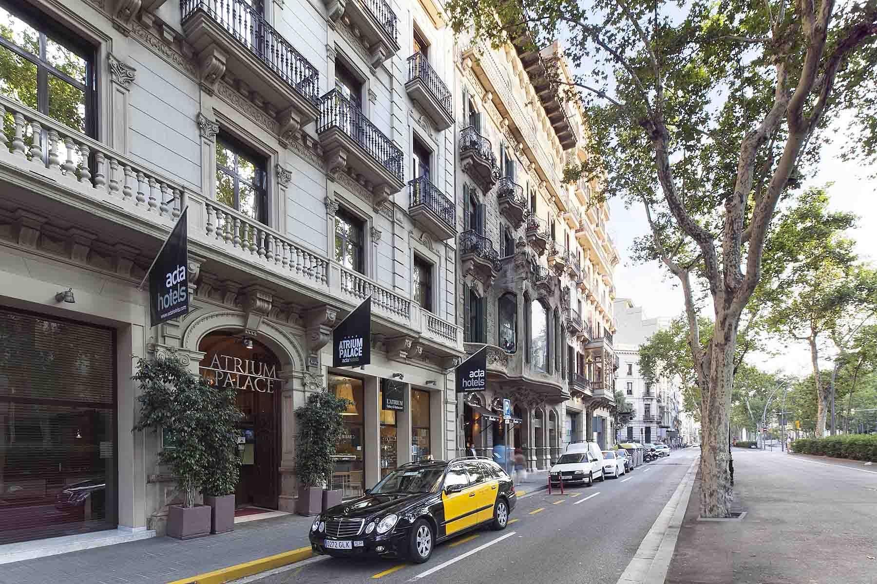 h tel acta atrium palace h tel au centre de barcelone. Black Bedroom Furniture Sets. Home Design Ideas