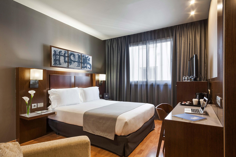Habitaciones hotel acta atrium palace - Piscina dentro de la habitacion ...
