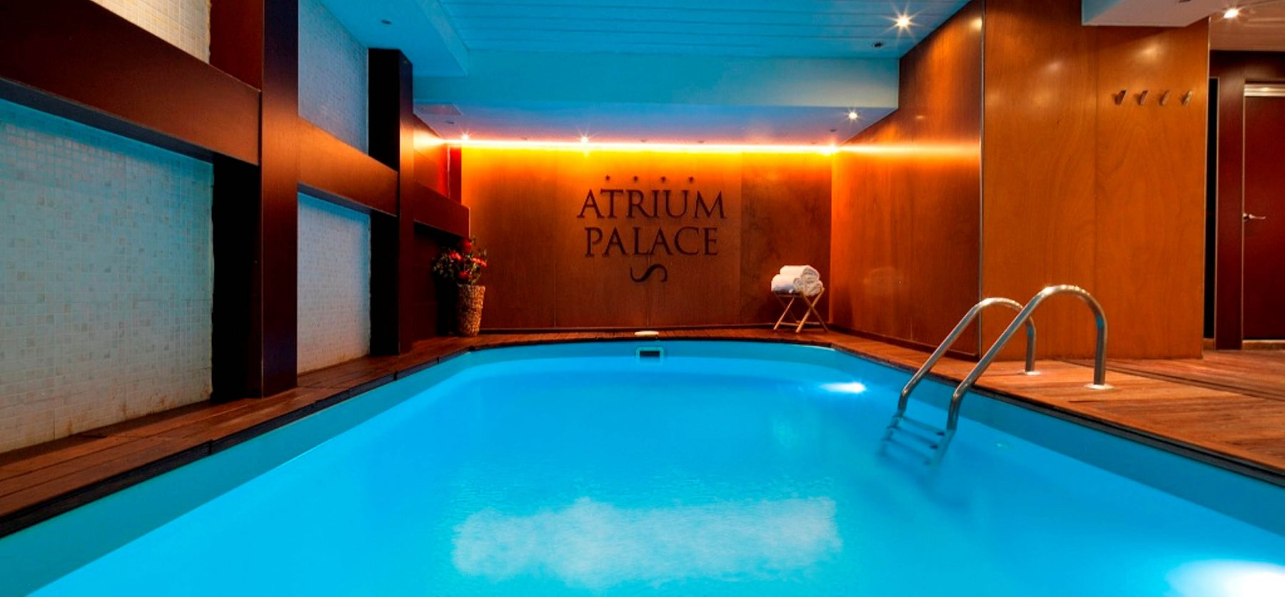 Photos and virtual tour hotel acta atrium palace for Piscina barcelona