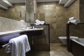 (Español) Hotel Atrium | Baño