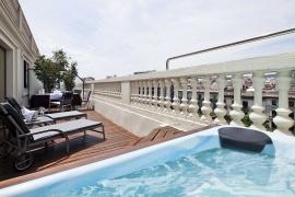 (Español) Hotel Atrium | Suite Jacuzzi