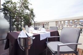 (Español) Hotel Atrium | Suite terraza